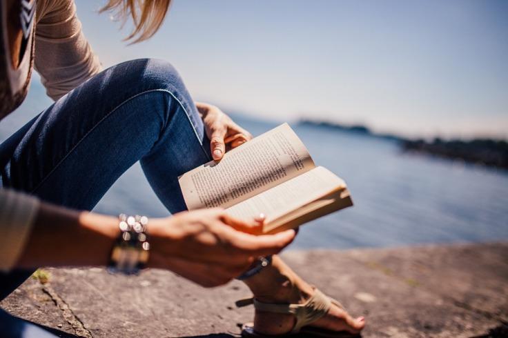 reading-sea.jpg